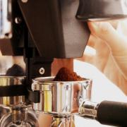Купить мельницу для кофе. Те, кто задумался заняться бизнесом по переработке кофе, рано или поздно задумываются о приобретении качественной мельницы для кофе.