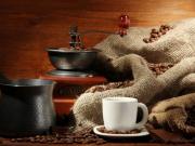 Мельница для кофе ручная. Простая ручная мельница для кофе годиться только для перемола небольшого количества кофе.
