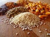 Зерновые. На наших мельницах можно перемолоть зерно любой влажности.
